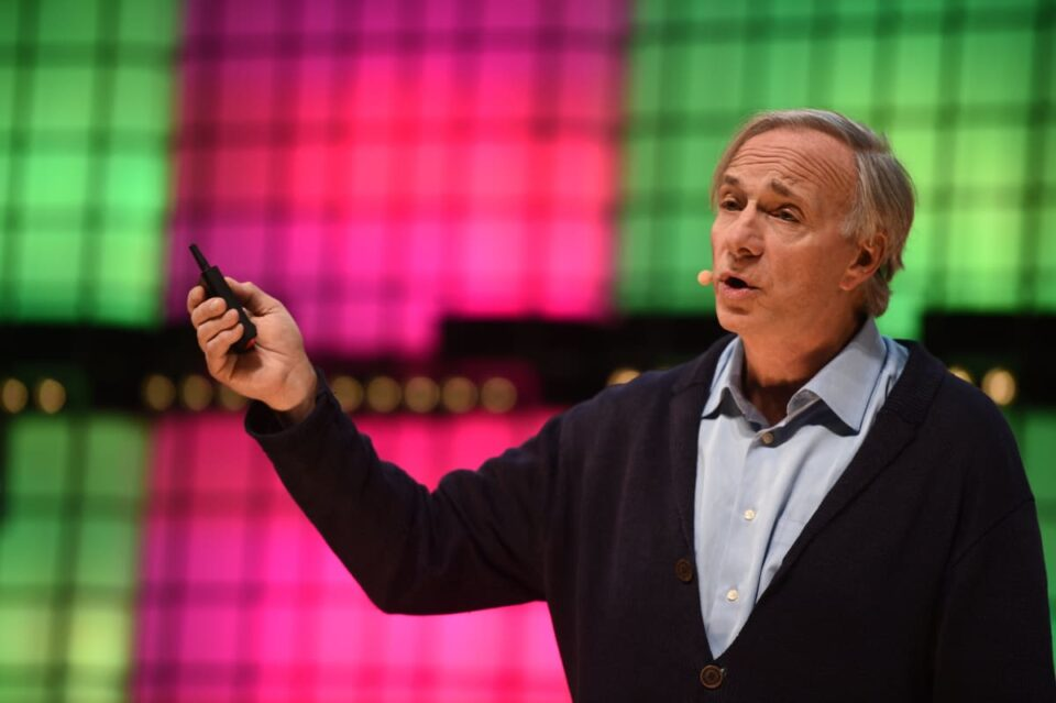 Ray Dalio Aloof Prefers Gold Over Bitcoin: Right here's Why He's Unpleasant